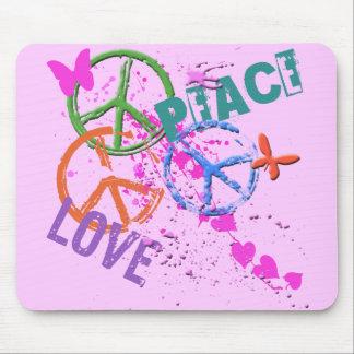 PEACE & LOVE MOUSE PAD