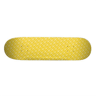 Peace Signs on Sunny Yellow 20 Cm Skateboard Deck