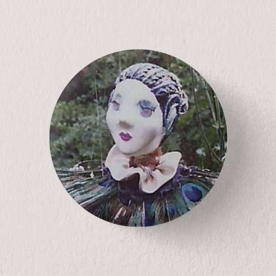 Peacock doll 3 cm round badge