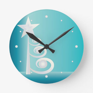 Pearls for Christmas Round Clock