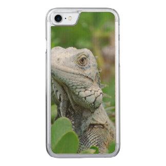 Peek-a-boo Iguana Carved iPhone 7 Case