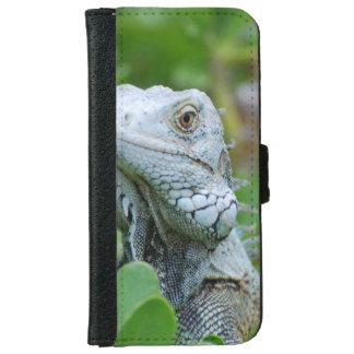 Peek-a-boo Iguana iPhone 6 Wallet Case