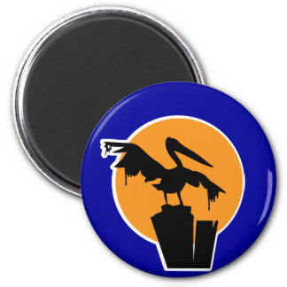 Pelican Covered in Oil 6 Cm Round Magnet