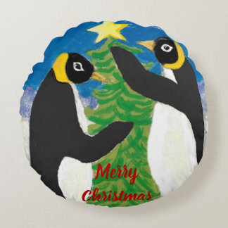 "Penguin Christmas Polyester Round Pillow (16"")"