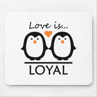Penguin Love Mouse Mat