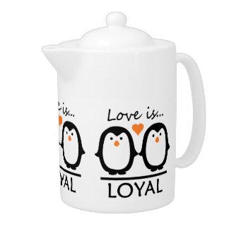 Penguin Love teapot