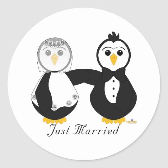 Penguins Getting Married Just Married Classic Round Sticker