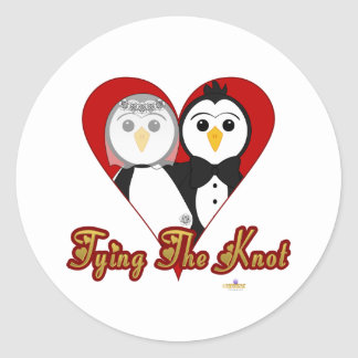 Penguins Wedding Heart Tying The Knot Round Sticker