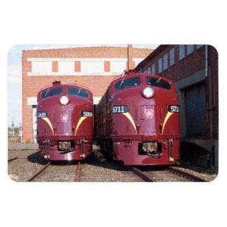 Pennsylvania Railroad E-8a,s (JTFS) 5809 and 5711 Magnet