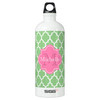 Personalized quatrefoil pattern water bottle