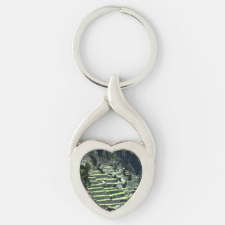 Peru Ruins Silver-Colored Twisted Heart Key Ring