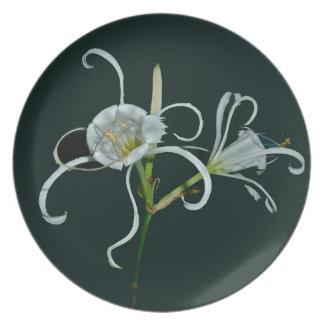 Peruvian Daffodils Plate