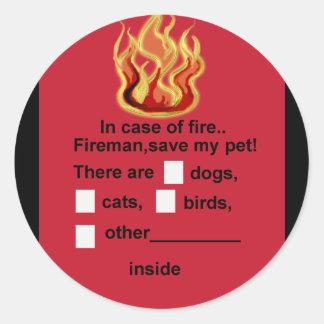 pet safety round sticker