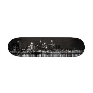 Philly night b/w 21.3 cm mini skateboard deck