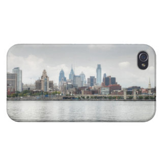 Philly skyline 2 covers for iPhone 4