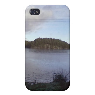 Photo of a Small Lake Case For The iPhone 4