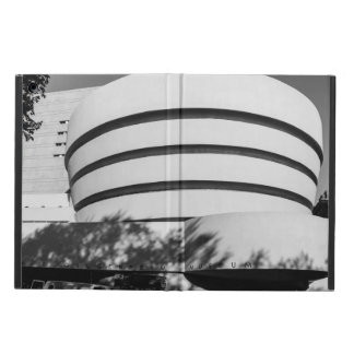 Photo of the Guggenheim Museum in New York City iPad Air Case