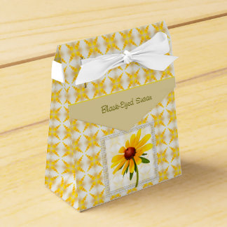 Photograph of A Black-Eyed Susan Blossom Wedding Favour Box