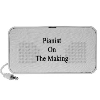 Pianist On The Making iPhone Speaker