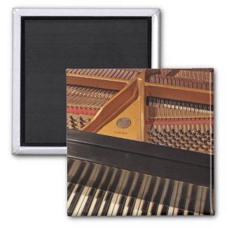 Piano keyboard and pins magnet