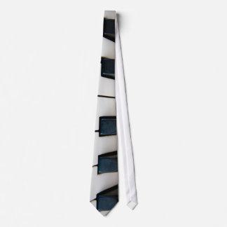 Piano keys tie