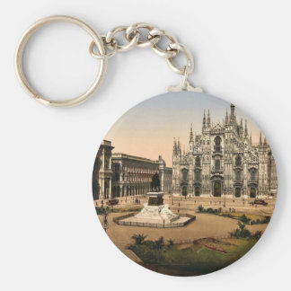 Piazza of the cathedral, Milan, Italy classic Phot Basic Round Button Key Ring