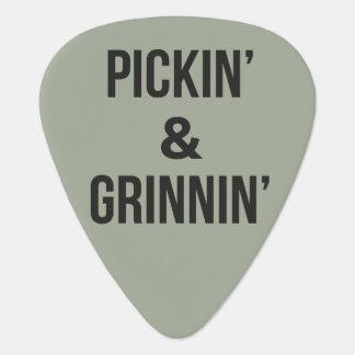 Pickin' and Grinnin' Guitar Pick