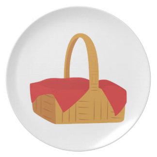 Picnic Basket Dinner Plate
