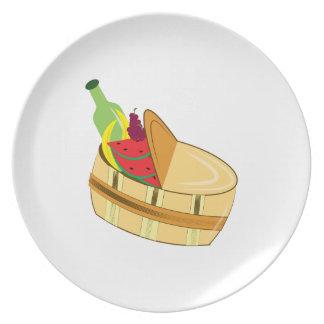 Picnic Basket Dinner Plates