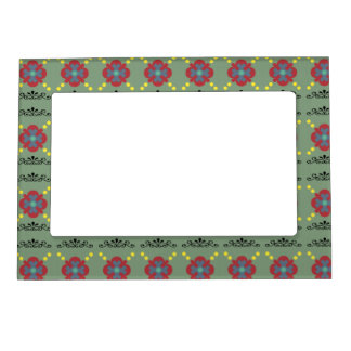 Picture frame with scrolling floral design