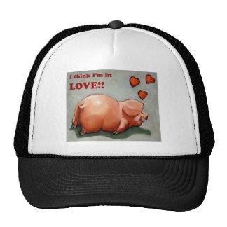 PIGGY IN LOVE HAT