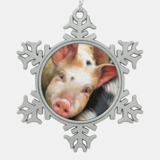 PIGS PEWTER SNOWFLAKE DECORATION