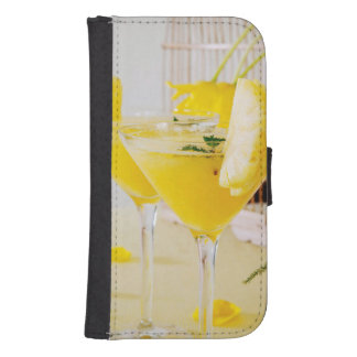 Pineapple and ginger Fresca cocktail Samsung S4 Wallet Case