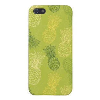 Pineapple Outline Pattern on Green iPhone 5/5S Cover