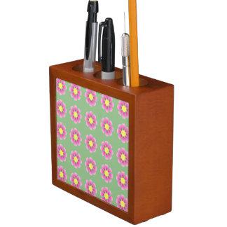 Pink daisy pattern desk organiser