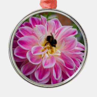 Pink flower with bumblebee Silver-Colored round decoration