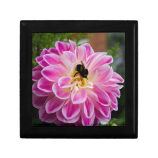 Pink flower with bumblebee small square gift box