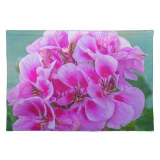 Pink geraniums placemat
