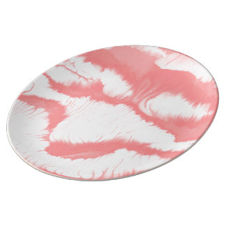 Pink girly water texture design, marbling paper plate