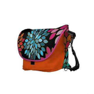 Pink Modern Chrysanthemum Commuter Bag Messenger Bags