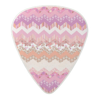 Pink zigzag background acetal guitar pick