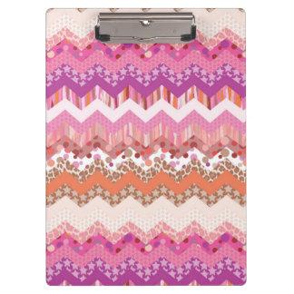Pink zigzag background clipboard