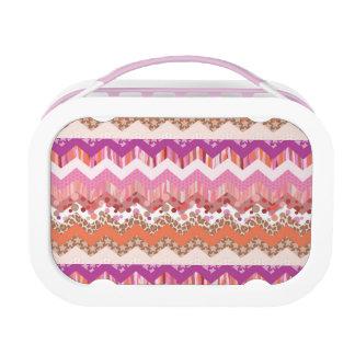 Pink zigzag background lunch box