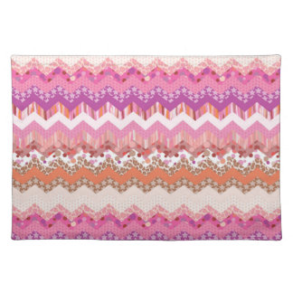 Pink zigzag background placemat