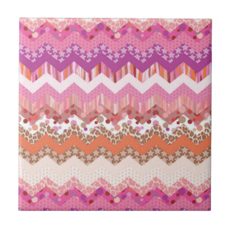 Pink zigzag background small square tile