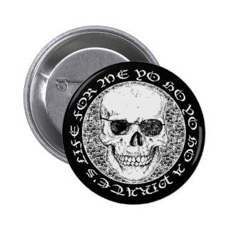 pirate skull 6 cm round badge