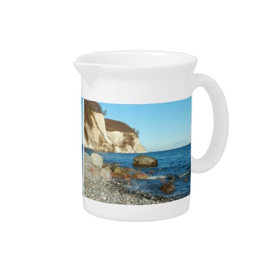 Pit Cher chalk rock on reproaches Pitcher