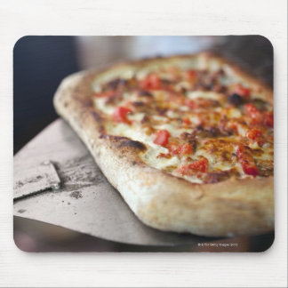 Pizza with tomatoes, garlic and meat substitute mouse mat
