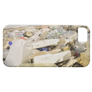 Plastic bottles and ocean dumping on a tropical case for the iPhone 5