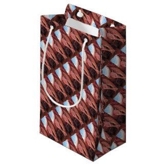 Plasty, an abstract small gift bag
